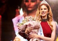 بالصور.. ملكة جمال روسية تبيع عذريتها في الخليج مقابل 10 آلاف دولار!