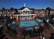 بالصور.. السينما وحمام السباحة هما أبرز مظاهر هذه الجامعة.. فهل تلتحق بها؟