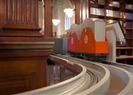 """""""قطار الكُتب"""".. أحدث أنظمة نقل الكتب للقُرّاء في نيويورك"""