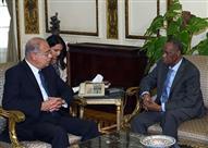 رئيس الوزراء يستقبل رئيس الاتحاد الافريقي لكرة القدم