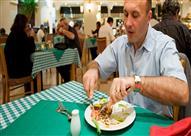 4 أمور يجب أن تعرفها قبل طلبك لوجبة الطعام