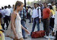 بالصور.. الهند تطالب السائحات عدم ارتداء الملابس القصيرة.. والسبب!