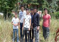 أطفال لاجئون ينازعون لشق طريقهم في بلغاريا