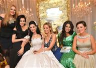 بالصور.. إطلالات سيئة للفنانات في حفل زفاف حنان مطاوع