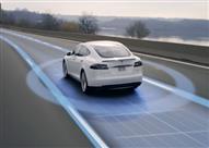 """بالفيديو.. نظام جديد في سيارات """"تسلا"""" يتوقع الحوادث قبل وقوعها"""