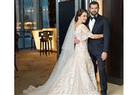 عمرو يوسف ينشر صورة تبرز تفاصيل فستان كندة علوش بعد انتقادها