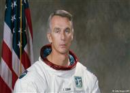 وفاة آخر رجل مشى على القمر