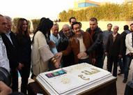 """بالصور- حورية فرغلي وأحمد زاهر يحتفلان ببدء تصوير """"الحالة ج"""""""