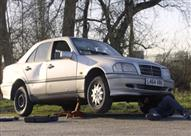 """بالفيديو.. هذا ما سيحدث عند قيادة السيارة بدون """"زيت"""""""