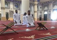 صورة لبطل العالم بالملاكمة داخل مسجد يثير موجة من الانتقادات