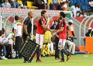 طارق يحيى يختار تشكيل المنتخب أمام أوغندا.. ويستبعد النني