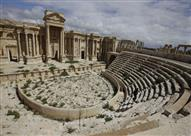 داعش يدمر واجهة المسرح الروماني وأعمدة الترابيلون في تدمر السورية