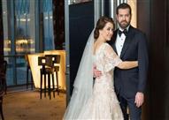 بالفيديو - لحظة سقوط كندة علوش أثناء حفل زفافها على عمرو يوسف