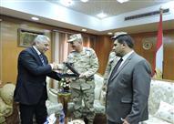 بالصور.. وفد المنطقة الشمالية العسكرية يهنيء مدير أمن البحيرة بعيد