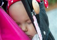 حمّالة الرضع .. متى وكيف تستخدمينها؟