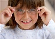 هل العدسات اللاصقة مناسبة للأطفال؟