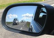 لتفادي مخاطر الحوادث.. تعلم الطريقة الصحيحة لضبط مرايا السيارات
