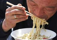وداعاً للإحراج..تناول الأرز الصيني والسوشي كالمحترفين- بالفيديو والصور