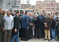 """بالصور.. وزير الإسكان يتفقد إنشاءات محطة مياه """"أبو كبير"""" بتكلفة 105"""