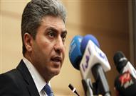 وزير الطيران يغادر إلى شرم الشيخ