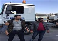 """بالصور- """"الدولي"""" يجبر باسم سمرة وأحمد وفيق على تعلم قيادة النقل الثقيل"""