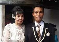 """""""مراية الحب عميا"""".. عمره 20 سنة يتزوج سيدة في الـ80 (فيديو)"""