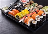 """بالصور- لعشاق الأكلات البحرية والشوكولاته.. سوشي بـ """"الكيت الكات"""""""