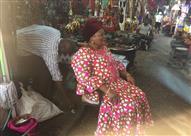 زوجة عيسي حياتو رئيس الإتحاد الإفريقي بأسواق الجابون