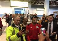 صور- بعثة المنتخب الوطني في مطار القاهرة