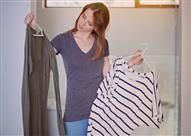 5 أخطاء في الملابس تضر صحة المرأة.. منها عدم خلعها عند النوم