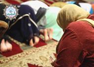 هل يجوز للمرأة أن تؤذن للصلاة إذا كانت الجماعة من النساء؟