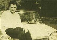 """في ذكرى رحيله.. سيارات """"العندليب"""" الثلاثة شاهدة على سعادته وشقائه"""