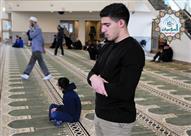 البحوث الإسلامية يوضح حكم الصلاة على النبي أثناء أداء الصلوات المكتوبة