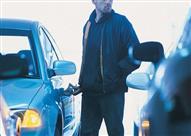 احذر 3 حيل لسرقة السيارات في الشوارع.. أشهرها البيض