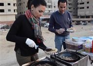 """بالفيديو- """"سجق وكبدة بيتي"""" أسلحة شيماء لمواجهة ظروف الحياة"""