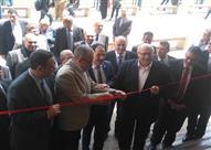 رئيس جامعة عين شمس يفتتح مبنى الساعات المعتمدة بكلية الهندسة- صور