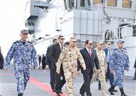 السيسي يستقل وحدة بحرية بقناة السويس فور وصوله الإسماعيلية