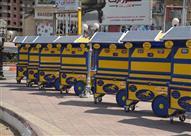 """بالصور.. محافظ سوهاج يعلن تسليم 25 عربة """"تيك أواي"""" ذكية للشباب"""
