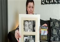 صدمة لـ بريطانية بعد مشاهدة صورة والدها على علب السجائر