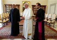 """مرصد الإفتاء: """"داعش"""" يرى لقاء بابا الفاتيكان وشيخ الأزهر خيانة للأمة والإسلام"""