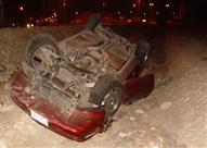 مصرع وإصابة 4 أشخاص إثر انقلاب سيارة ملاكي بطريق الواحات