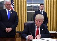 """""""ترامب"""" يوقع أمرا تنفيذيا جديدا لمراجعة واردات الألومنيوم"""