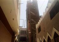 بالصور.. إخلاء 11 منزلاً بسبب ميل عقار من 6 طوابق في سوهاج