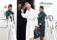 """سر """"الحقيبة السوداء"""" في يد بابا الفاتيكان - (صور)"""
