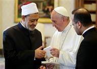 """ما هي دلالة كلمة بابا الفاتيكان لشيخ الأزهر """"أنت أخي الأكبر""""؟"""