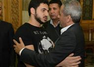 أحمد السقا وجمال العدل وفودة  في عزاء شقيق صبري فواز