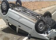 إصابة ٤ جراء انقلاب واصطدام سيارة أعلى سطح كوبري الهايكستيب