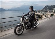 متى ينبغي مراجعة ضغط هواء إطارات الدراجة النارية؟