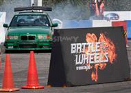 50 صورة ترصد تصفيات سباق السيارات Battle of the wheels