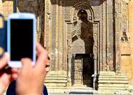 بالصور والفيديو: مسجد ديفريغي الكبير.. ظلٌ يُصلي وتدفئة مركزية تخطى